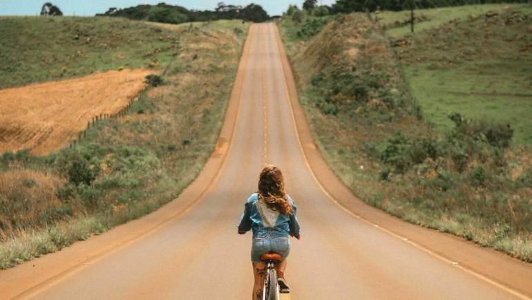 "Replacing GDP with ""Girls on Bikes"" by Martin Oetting"
