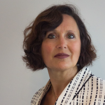 Sandrine Dixson-Decleve